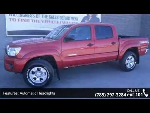 2015 Toyota Tacoma V6 - Lewis Toyota - Topeka, KS 66614  This smooth Vehicle seeks the right match.. All Around hero!! Just Arrived** This is the vehicle for you if you're looking to get great gas mileage on your way to work!! 4 Wheel Drive, never get stuck again*