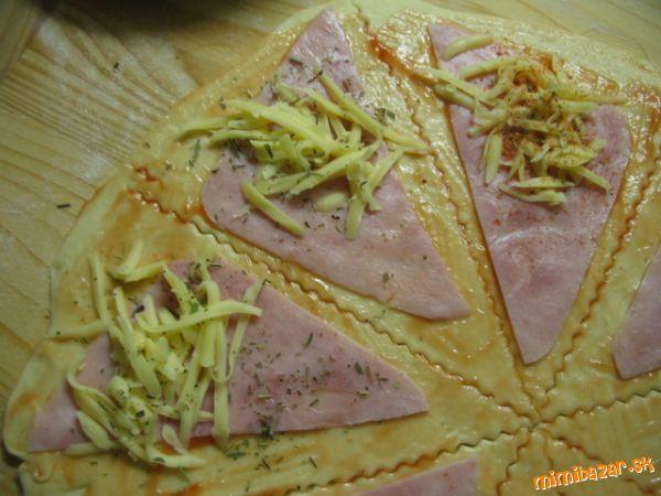 Mamkine fantastické rožteky......***bez kysnutia*** A vyskúšala som ich aj na spôsob pizza rožkov....