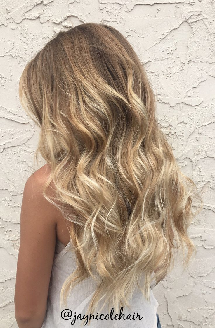 neutral blonde balayage by Justice Baggett | instagram: @jaynicolehair
