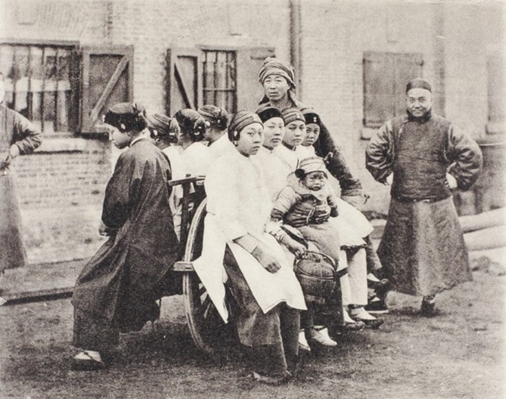 Wheelbarrow, urban transport, Shanghai, c.1907