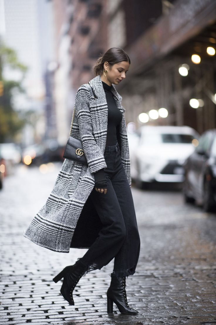 how to rock the latest fashion trends for winter: plaid winter coat, chic casual winter outfit idea for young women