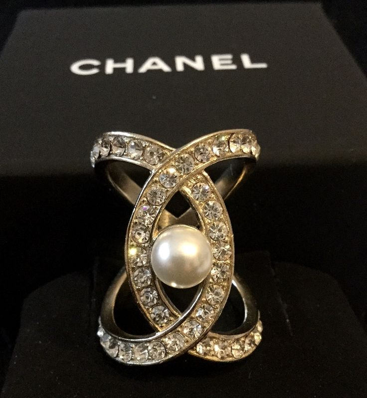 AMAZING #CHANEL Baguette Crystal CC Big Pearl GOLD Ring Elegant Authentic Hallmark NEW