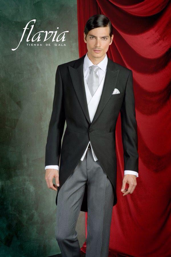 Traje de novio hecho en colores sobrios y con un diseño exclusivo, que harán notar tu buen gusto
