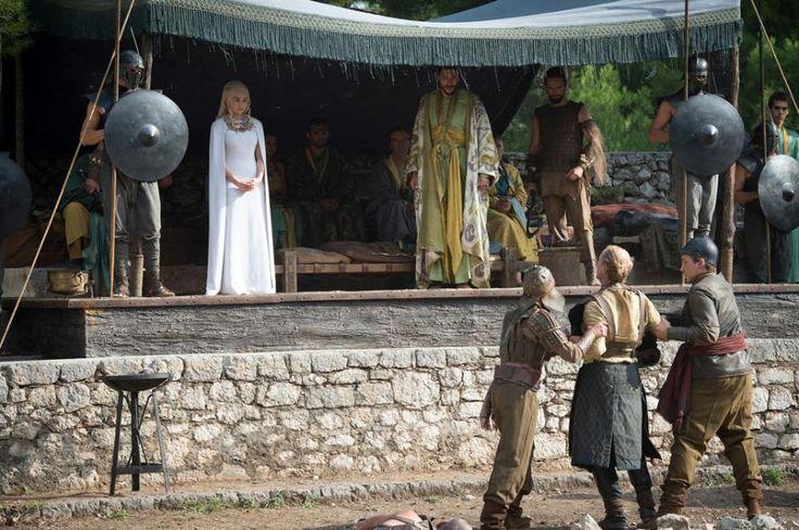 Emilia Clarke, Joel Fry, and Iain Glen