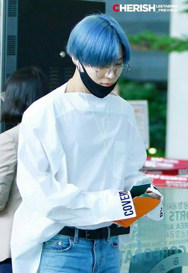 [170509] 2ow! Look at Taemin heading for Japan alone and with new hair color BLUE!!!!!♥♥♥♥♥