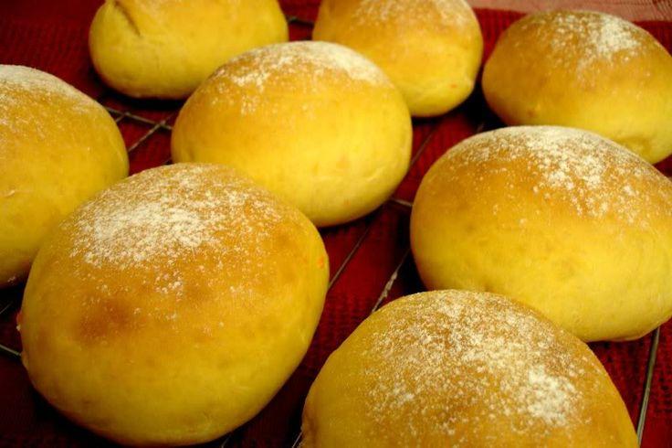 Sweet Potato Buttermilk Dinner Rolls (with link)