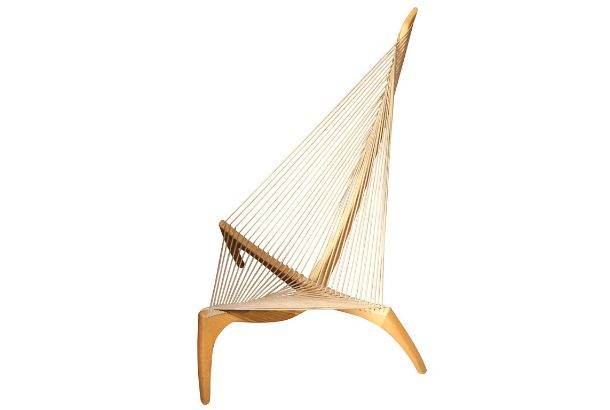 Harp Chair. 1968年、ヨルゲン・ホヴェルスコフ(Jorden Hovelskov)作、ハープ・チェアです。もともとはバイキング船の船首の形...