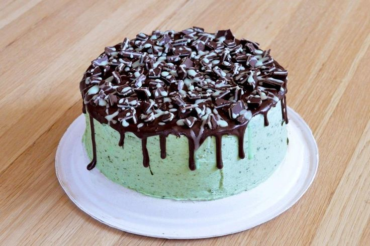 Mint chocolate chip cake. | Gimme Some Sugar | Pinterest