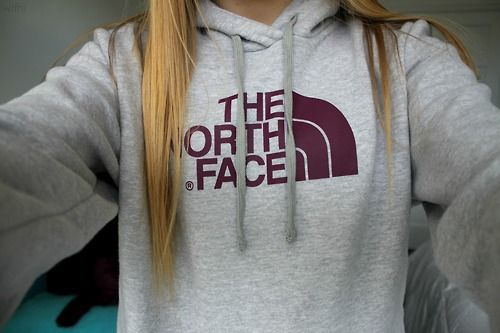 The North Face sweatshirt ♡ cute with blue emblem!