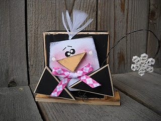 2x4 Penguin Tutorial... @ http://wmcraftgoodies.blogspot.com/2011/01/penguin-blockhead-2x4-tutorial.html