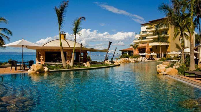 I can't wait to dip into this pool in Puerto Vallarta!  El Garza Blanca