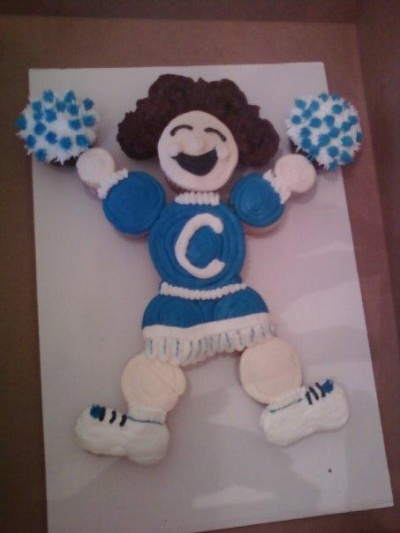 Cheerleader cupcake cake! Thanks Lisa!  Making this for G's b-day on Monday.