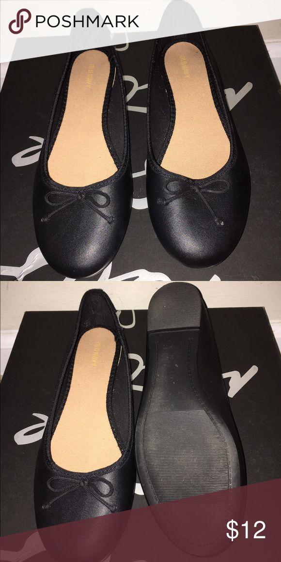 Never worn Old Navy Ballet Flats 🖤 Never worn Old Navy ballet flats 🖤 Old Navy Shoes