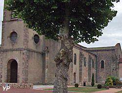 Eglise Saint-Nicolas et Sainte-Croix. Droiturier. Auvergne
