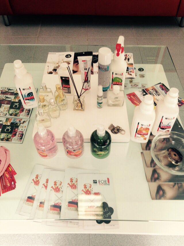 Demostración de productos para limpiar el casa FMGROUP