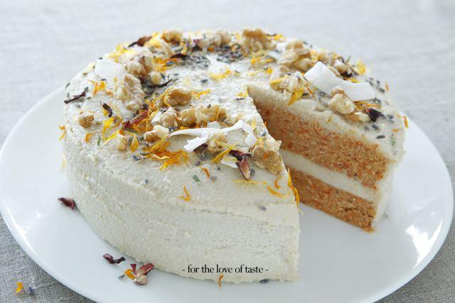 Carot cake - raw food - vegan - gluten free