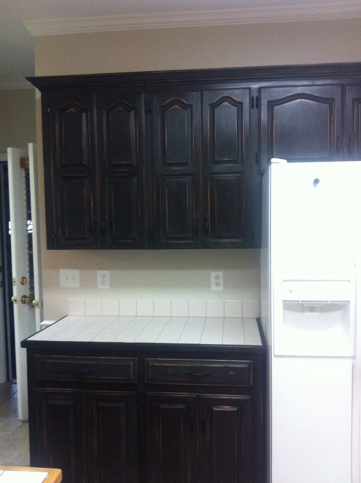 Refinished Honey Oak Cabinets With Annie Sloan Chalk Paint And Dark Wax Before AFTER Joes