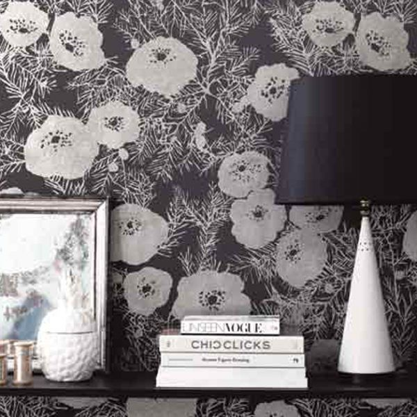 Tapete Lomasi Charcoal von Romo Black Edition