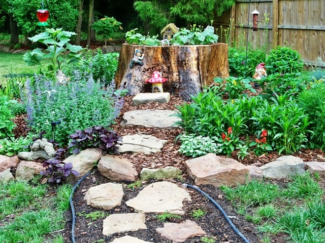 17 Best Images About Stump Garden For Mom On Pinterest Trees Crafts And Jewel Box