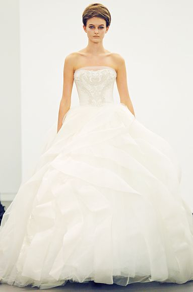 "Vera Wang's New Wedding Dress 2013Collection ""All about lace"""