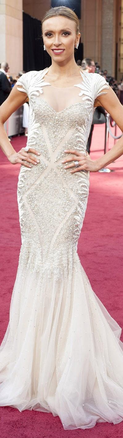 red carpet fashion dress #glam #glitter