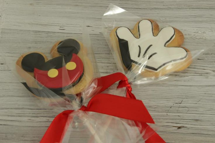Mickey mouse cookie pops