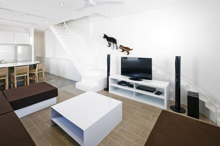 Staircase for Dogs / 07BEACH | ArchDaily