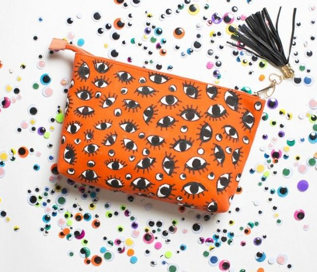 Make a no-sew makeup bag with this tutorial.
