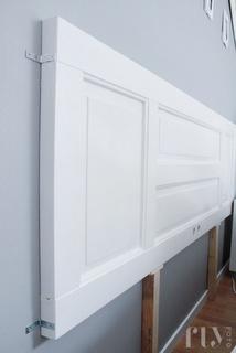 Bettkopf: Alte Tür