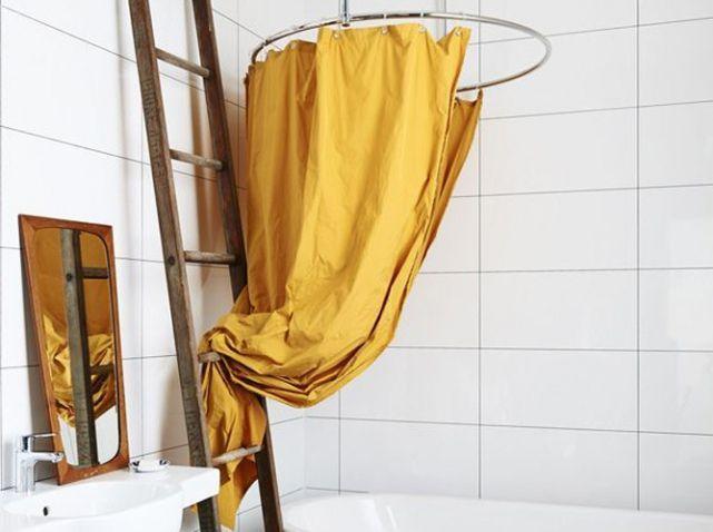 Rideau de douche jaune moutarde