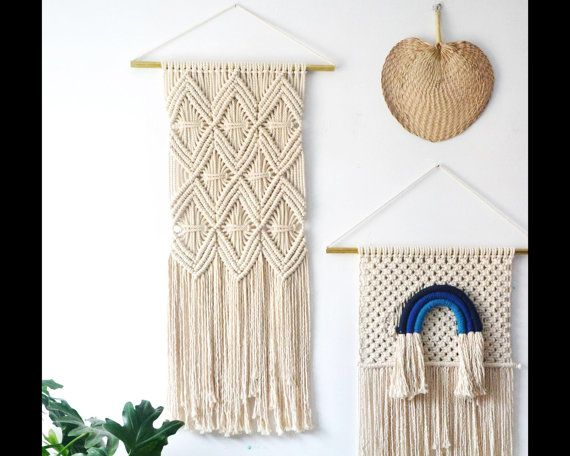 Evas lovely Mayan Love macrame wall hanging with a copper pipe and natural cotton cord.  This piece comes ready to hang with a 23 (60 cm) copper pipe. The hanging is 15 (40cm) wide by 43 (110cm) tall. If youd like a custom size or pattern please drop us a line