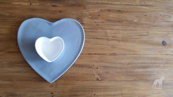 A grey ceramic platter perfect for serving snacks.  290mm l x 280mm w x 55mm h #homedecor #ceramic