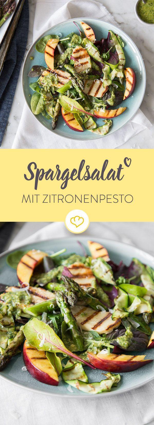 Frühlingszeit ist Spargelzeit. Dann werden die grünen Stangen mit Zucchini, Pfirsich, Halloumi und Zitronen-Pesto in der Schüssel zum erfrischenden Salat.