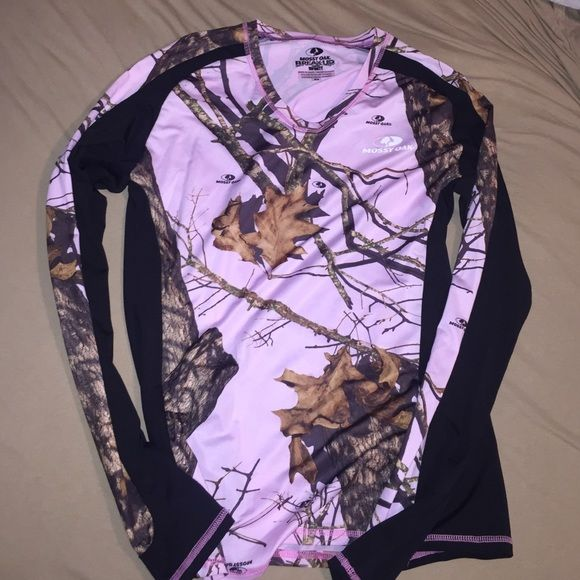 Pink/black Mossy Oak camo long sleeve Never worn! Material is 92% polyester 8% spandex. Tops Tees - Short Sleeve