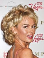 Kelly Carlson short curly hair side view