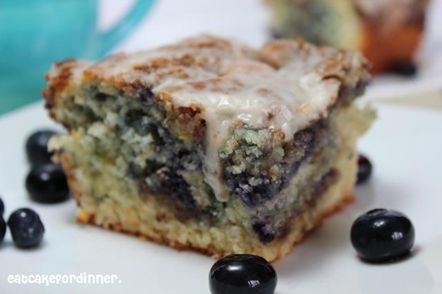Blueberry Cinnamon Roll Cake!: Cinnamon Rolls Cakes, Blueberries Cinnamon Rolls, Dinners, Cinnamon Roll Cakes, Gluten Free, Blueberry Cinnamon Rolls, Eating Cakes, Baking, Breakfast Recipes