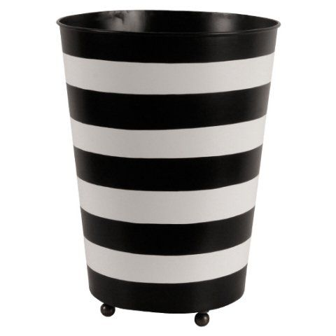 Papperskorg i svart och vit plåt. Paper bin black and white. www.longcoastliving.se