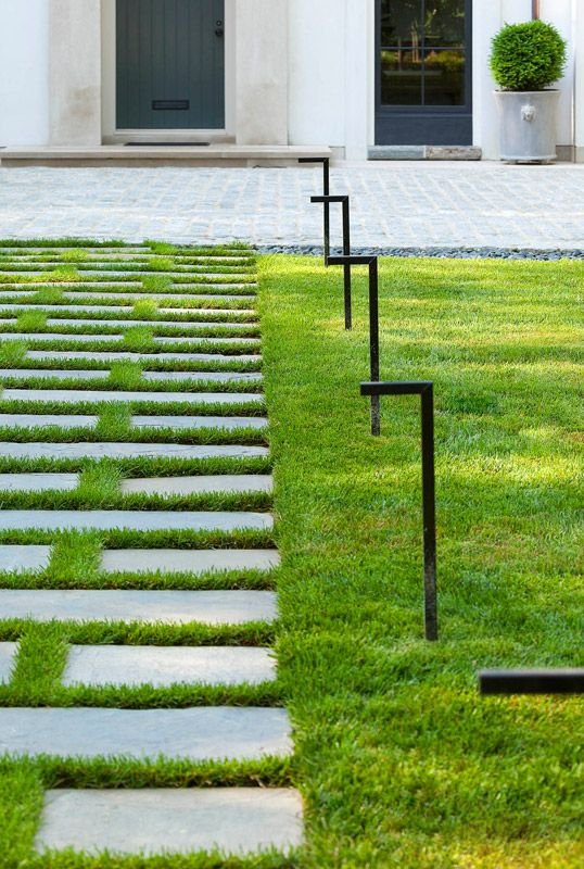 Stone Walkway | Anne Decker Architects | Selected Works | Featured Home |  Edgemoor House