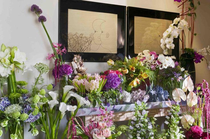 A entrance full of flowers | Una entrada llena de flores