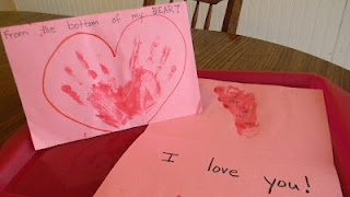 Cute Valentine gift idea for mom or dad: Gifts Ideas, Children Living, Valentines Gifts, Valentines Day, Valentines Activities, Child Life, Mom Series, Valentine'S Activities, Love Letters