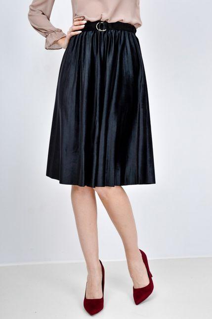 f770275e1126 Čierna plisovaná midi sukňa