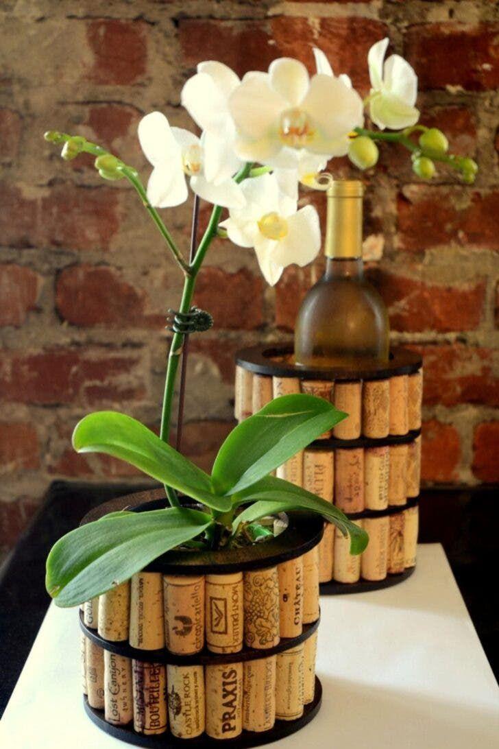 10 Manualidades hechas con corchos de vino usados - e-Consejos Cool Diy, Easy Diy, Simple Diy, Diy Play Doh, Cement Flower Pots, Craft Projects For Adults, Recycled Wine Corks, Diy Deodorant, Wine Cork Crafts