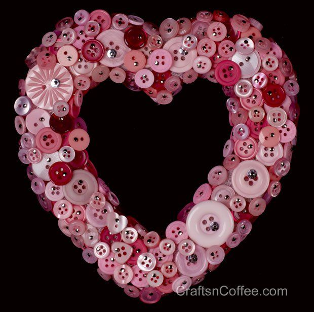 How to make a button wreath on CraftsnCoffee.com