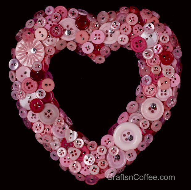How to make a button wreath on CraftsnCoffee.com
