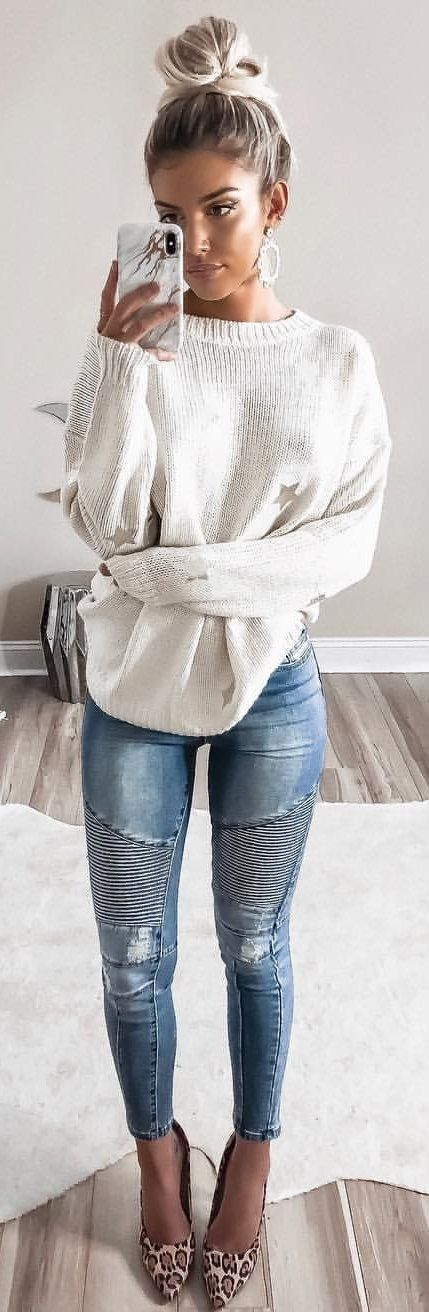 #winter #outfits white crew-neck sweater