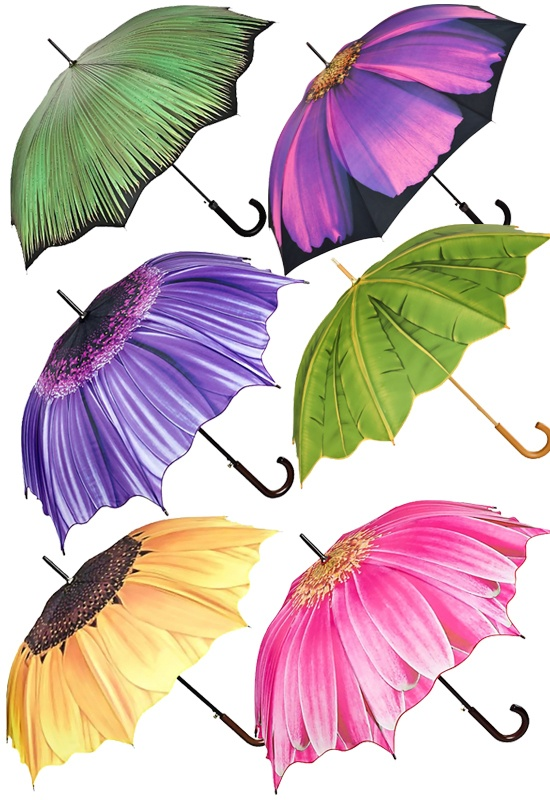Do not forget an umbrella because July is the rainiest month in Paris! An umbrella in a fun print can help you stand out and your friends will never lose you!