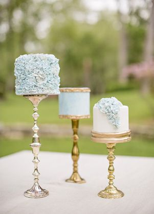 20 Individual Wedding Cakes | SouthBound Bride | http://www.southboundbride.com/individual-wedding-cakes | Credit:  Alicia Pyne Photography/Sugary And Chic Cake Boutique via Style Me Pretty