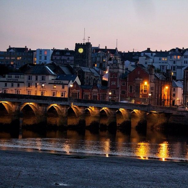 Bideford:- The Old Bridge. Photo by kistokim • Instagram