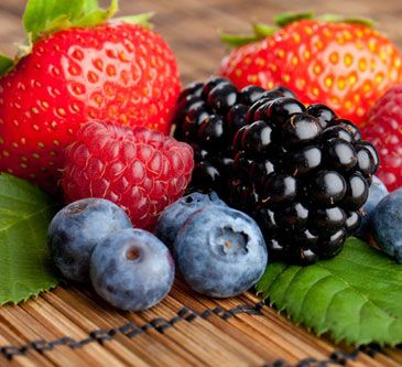 A few TOP Superfoods! Berries, Salmon, Nuts and this list even includes Chocolate! :) #sp #moderationnation
