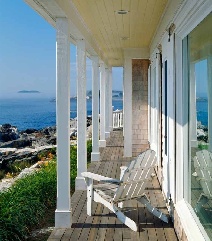 Beach Cottage With A Fabulous 3-Season Screened Porch